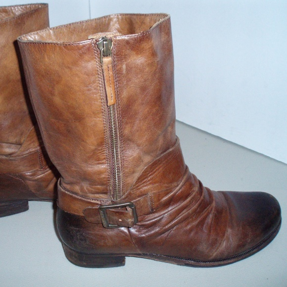 f910221bf54 Vince Camuto Grunge Style Brown Leather Boots. M 5ba4127caa571929ca1ce794